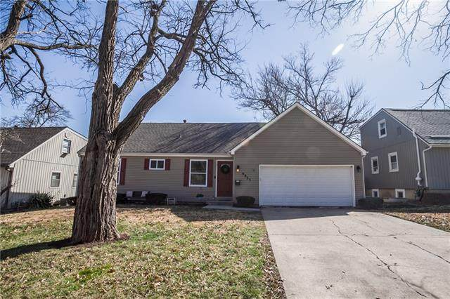 9933 W 60th Street, Merriam, KS 66203 (#2308275) :: Dani Beyer Real Estate