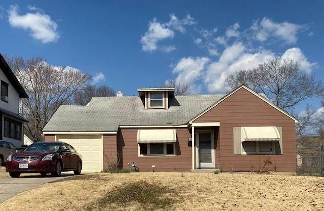 2236 E 70th Street, Kansas City, MO 64132 (#2308343) :: Team Real Estate