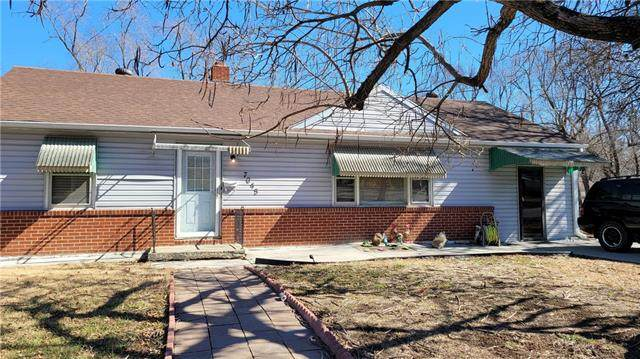 7045 Bellefontaine Avenue, Kansas City, MO 64132 (#2308358) :: Team Real Estate