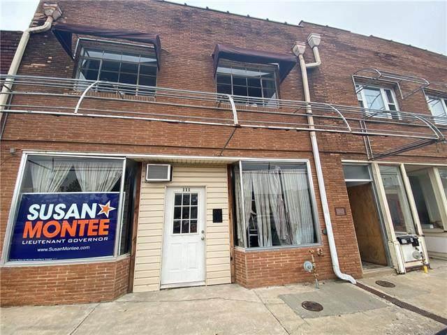111 W Culton Street, Warrensburg, MO 64093 (#2308360) :: Ask Cathy Marketing Group, LLC