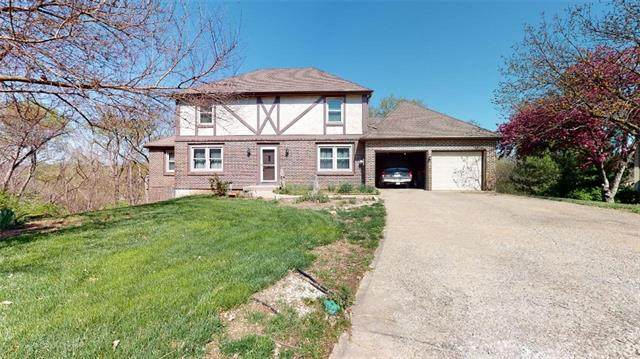 17422 W 70th Street, Shawnee, KS 66217 (#2308370) :: Ron Henderson & Associates