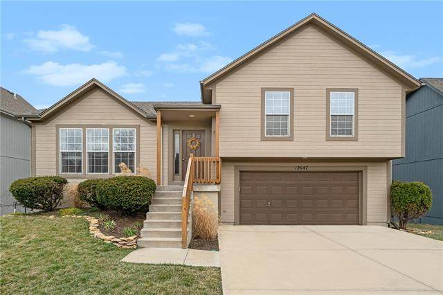 12647 S Race Street, Olathe, KS 66061 (#2308521) :: Five-Star Homes