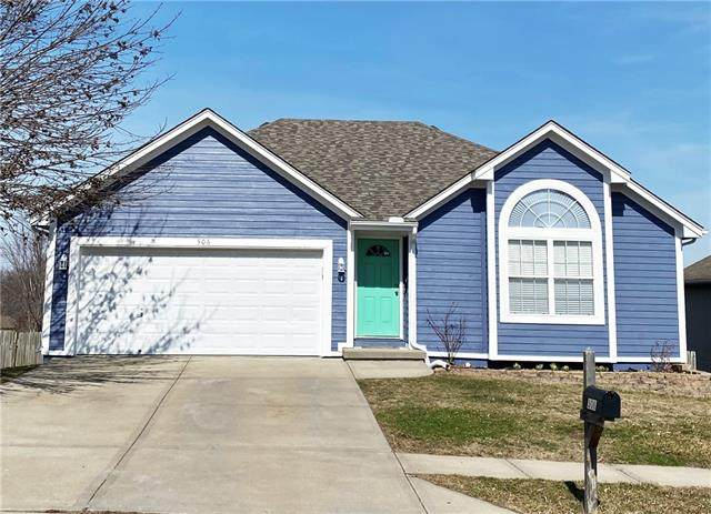 506 NW Whitney Drive, Grain Valley, MO 64029 (#2308559) :: The Rucker Group