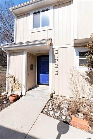 6426 W 51st Terrace, Mission, KS 66202 (#2308630) :: Dani Beyer Real Estate