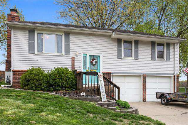 1512 NW Ashland Place, Blue Springs, MO 64015 (#2308657) :: Team Real Estate
