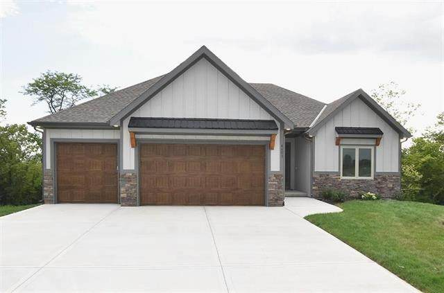 4617 NW 141st Terrace, Platte City, MO 64079 (#2308843) :: Ron Henderson & Associates