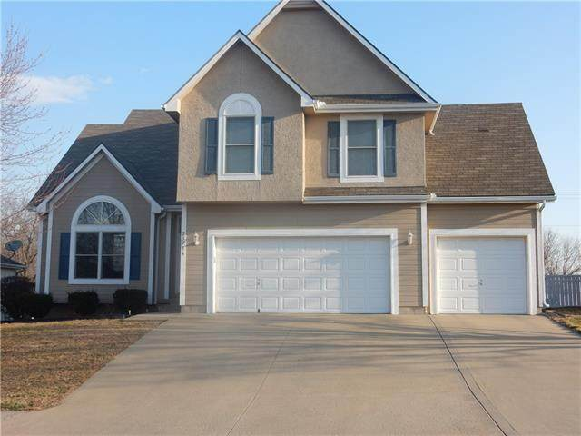 25716 E 30th Terrace, Blue Springs, MO 64015 (#2308846) :: Team Real Estate