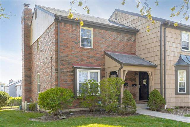 3715 NE 68TH Terrace, Gladstone, MO 64119 (#2308936) :: Audra Heller and Associates