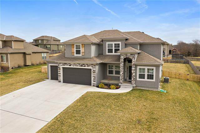 4405 SE Trotter Drive, Lee's Summit, MO 64082 (#2309047) :: Dani Beyer Real Estate