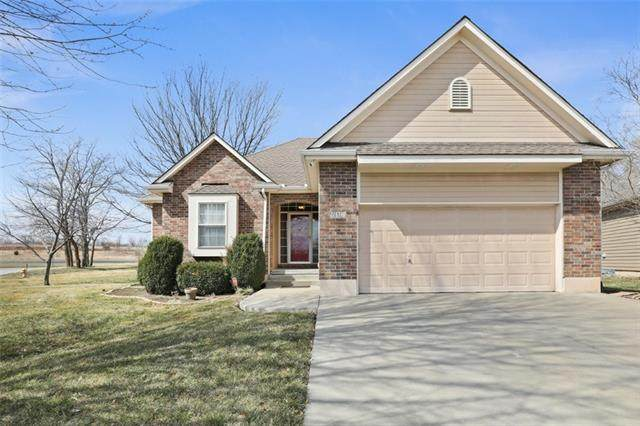 612 Meadowlark Place, Raymore, MO 64083 (#2309108) :: Beginnings KC Team