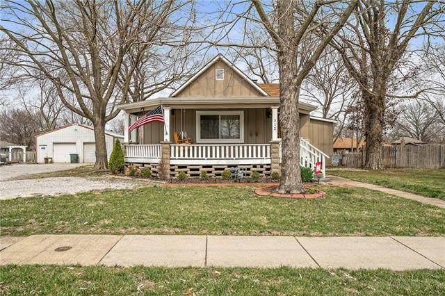 312 E Nichols Street, Spring Hill, KS 66083 (#2309262) :: The Rucker Group