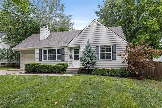 4500 W 70th Terrace, Prairie Village, KS 66208 (#2309433) :: Team Real Estate