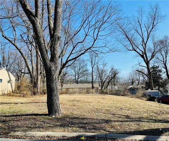 7705 E 111TH Terrace, Kansas City, MO 64134 (#2309491) :: Five-Star Homes