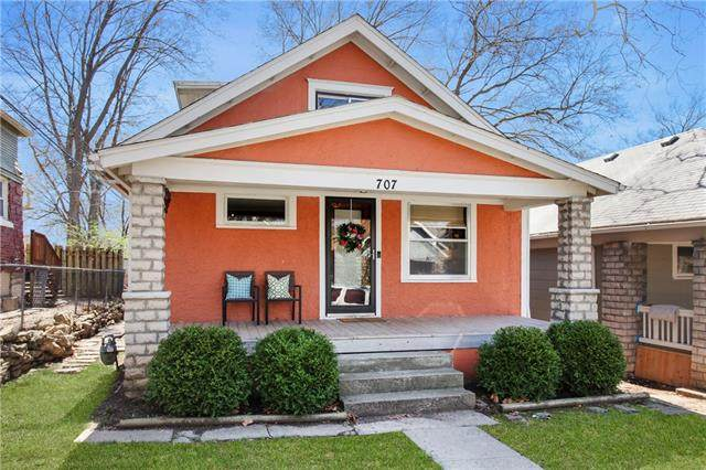 707 E 43rd Street, Kansas City, MO 64110 (#2309801) :: Austin Home Team