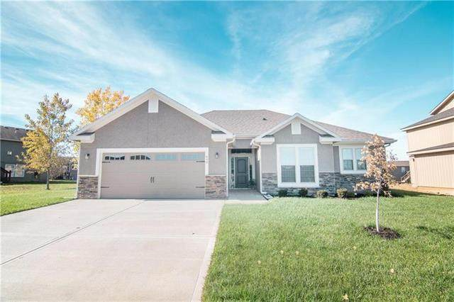 1602 NE Crumley Street, Grain Valley, MO 64029 (#2309921) :: Five-Star Homes