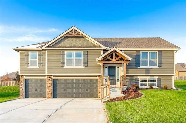 1703 Willow Lane, Kearney, MO 64060 (#2309924) :: Five-Star Homes