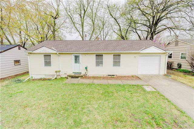 5912 N Park Avenue, Gladstone, MO 64118 (#2309980) :: The Rucker Group