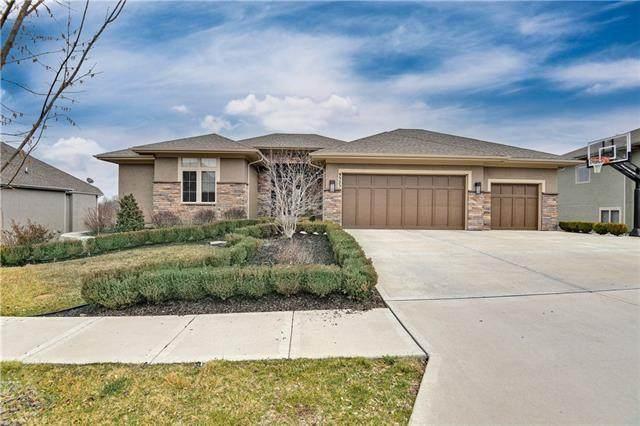 9323 Pinnacle Street, Lenexa, KS 66220 (MLS #2309992) :: Stone & Story Real Estate Group