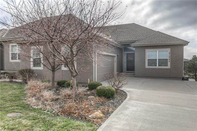 21940 W 116th Terrace, Olathe, KS 66061 (#2310159) :: Audra Heller and Associates