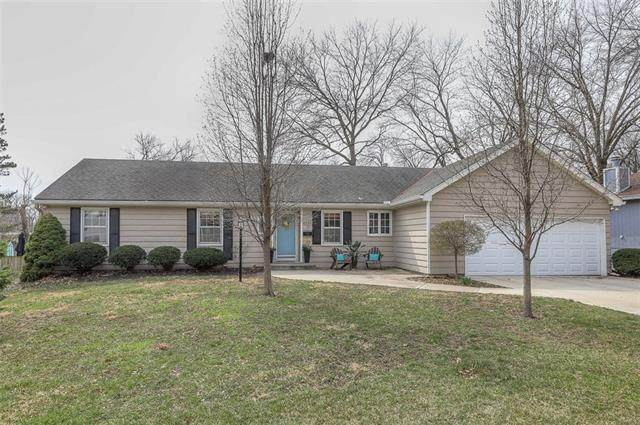 6321 W 94th Terrace, Overland Park, KS 66212 (MLS #2310396) :: Stone & Story Real Estate Group