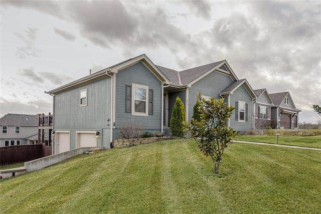 813 N Maple Court, Lone Jack, MO 64070 (MLS #2310424) :: Stone & Story Real Estate Group