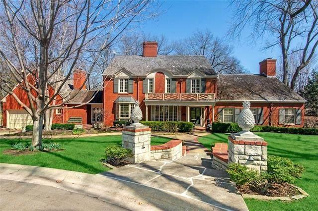 6420 Wenonga Terrace, Mission Hills, KS 66208 (MLS #2310456) :: Stone & Story Real Estate Group