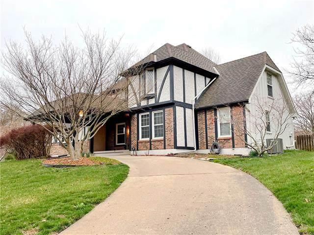 10701 Walmer Street, Overland Park, KS 66211 (#2310522) :: Five-Star Homes