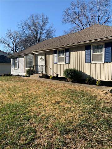 6822 N Bellefontaine Avenue, Gladstone, MO 64119 (#2310614) :: Ron Henderson & Associates