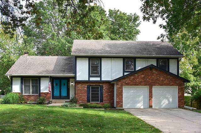 9804 W 101st Street, Overland Park, KS 66212 (#2310804) :: Five-Star Homes