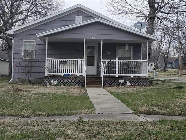 219 W 8th Street, Lyndon, KS 66451 (#2310862) :: The Rucker Group