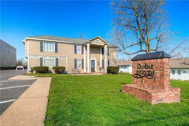 6204 Arlington Avenue, Raytown, MO 64133 (#2311018) :: Ron Henderson & Associates