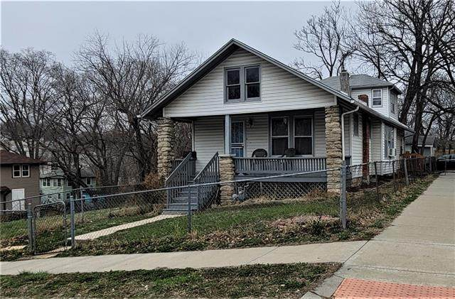 1520 E 42ND Street, Kansas City, MO 64110 (#2311056) :: Ask Cathy Marketing Group, LLC