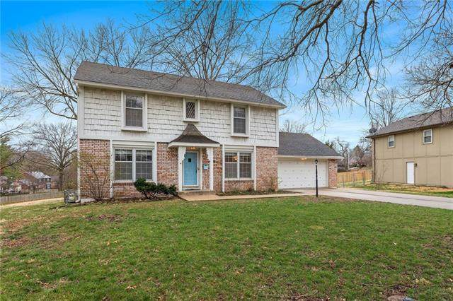 8827 Nall Avenue, Prairie Village, KS 66207 (#2311206) :: Ron Henderson & Associates