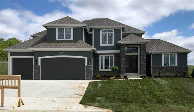 5573 Thousand Oaks Drive, Parkville, MO 64152 (#2311288) :: The Shannon Lyon Group - ReeceNichols