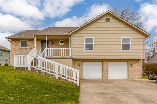 206 N Meghan Drive, Harrisonville, MO 64701 (#2311336) :: Five-Star Homes