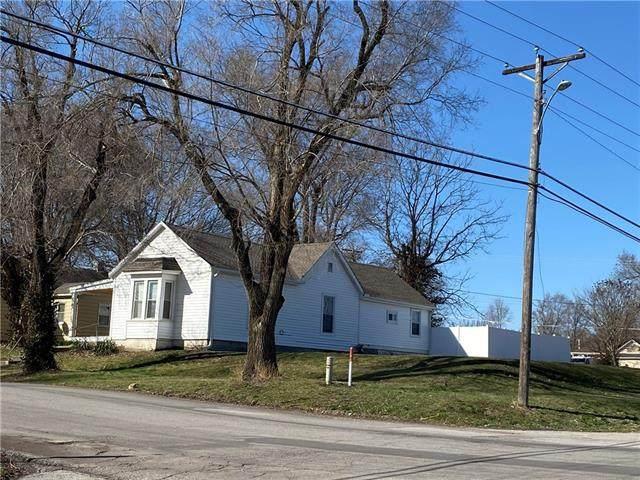 207 S 24th Street, Lexington, MO 64067 (#2311372) :: Five-Star Homes