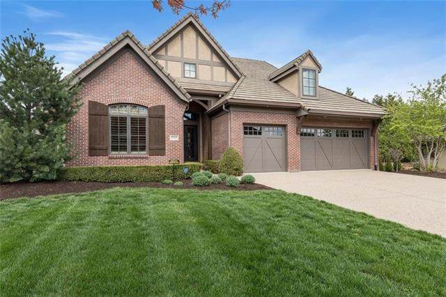 3764 W 105th Terrace, Leawood, KS 66206 (#2311520) :: Ron Henderson & Associates