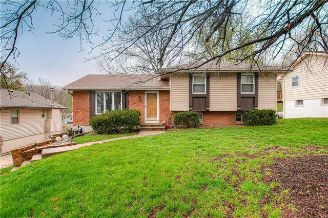 6103 51st Terrace, Kansas City, MO 64151 (#2311762) :: The Rucker Group