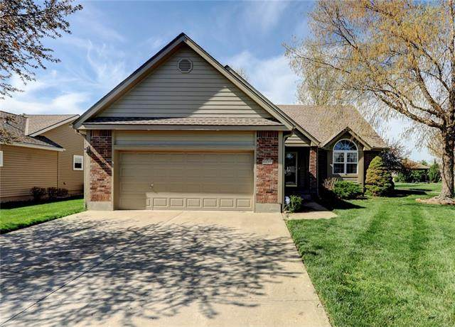 606 Meadowlark Drive, Raymore, MO 64083 (#2311788) :: The Kedish Group at Keller Williams Realty