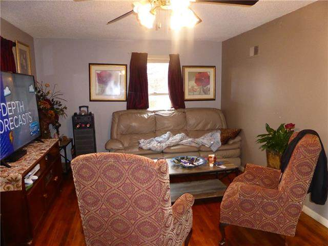 1618 S Mccoy Street, Independence, MO 64055 (#2311854) :: Ron Henderson & Associates