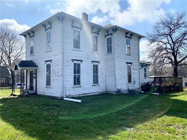 204 E Marshall Street, Sweet Springs, MO 65351 (#2311885) :: The Rucker Group