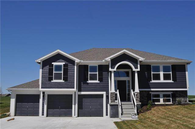 1111 E 14th Street, Kearney, MO 64060 (MLS #2311942) :: Stone & Story Real Estate Group