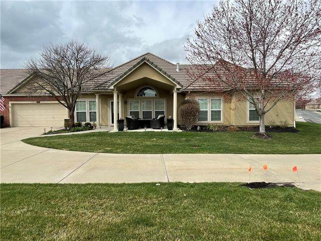 14581 Birch Street, Leawood, KS 66224 (#2311964) :: Ron Henderson & Associates