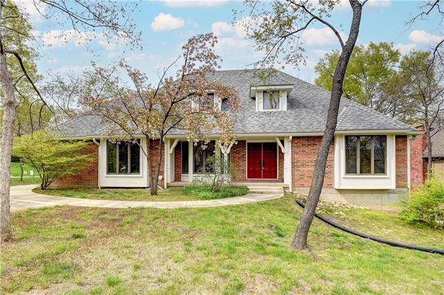 6509 N Park Avenue, Gladstone, MO 64118 (#2311983) :: The Rucker Group
