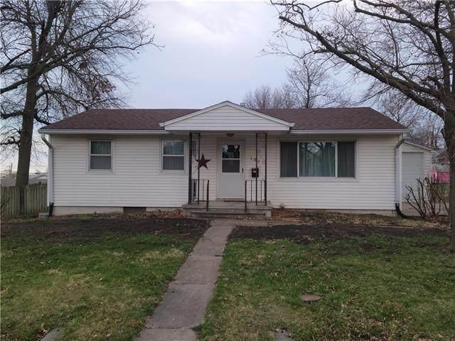 107 Kansas Avenue, Hiawatha, KS 66434 (#2312001) :: Edie Waters Network