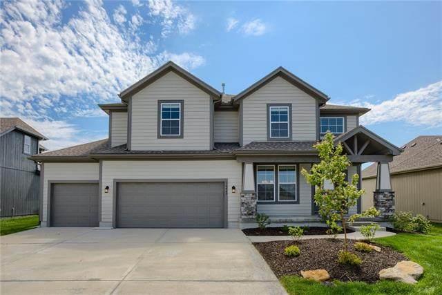 17647 W 163rd Terrace, Olathe, KS 66062 (#2312023) :: Five-Star Homes