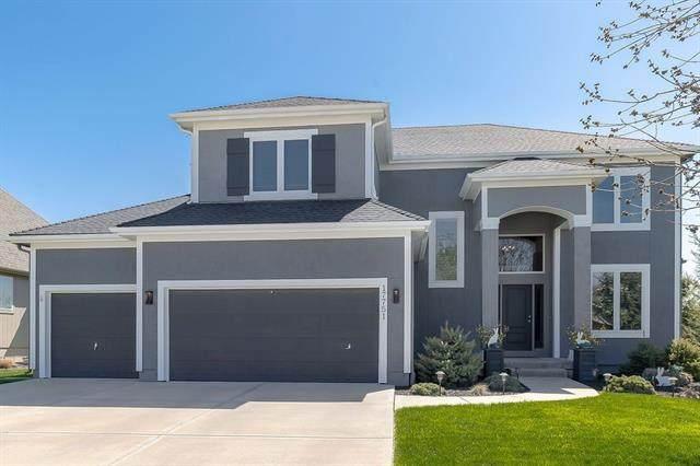 17751 S Roundtree Drive, Olathe, KS 66062 (#2312067) :: Ron Henderson & Associates