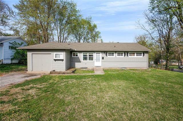 7816 E 108th Terrace, Kansas City, MO 64134 (#2312069) :: Dani Beyer Real Estate