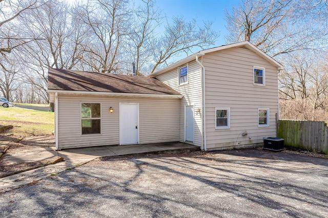 3628 N Flora Avenue, Kansas City, MO 64116 (MLS #2312082) :: Stone & Story Real Estate Group