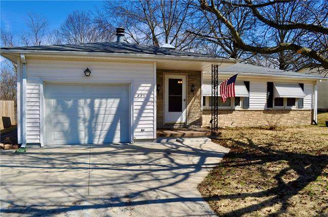 805 S 39th Street, St Joseph, MO 64507 (#2312130) :: Dani Beyer Real Estate